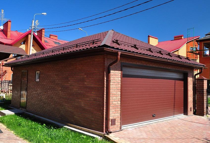 отделка стен гаража цокольным сайдингом