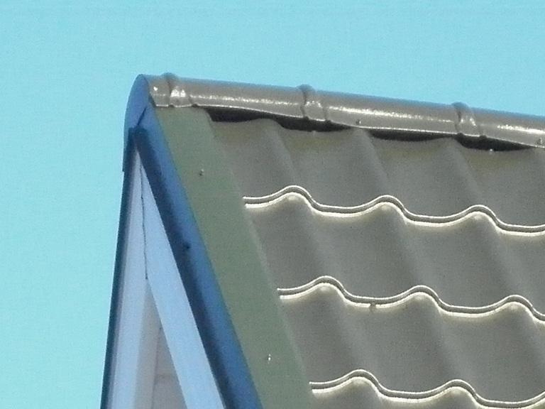 аксессуары на металлочерепице - конек и ветровая