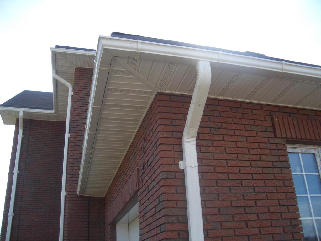Do It Yourself Gutter Guards The Pros Cons