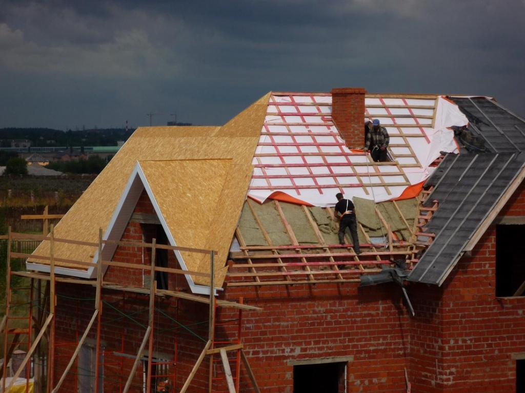 Гидроизоляция для крыши под металлочерепицу изоспан мбп мастика
