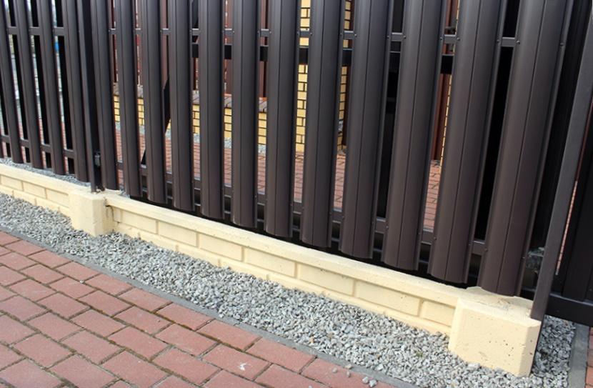 штакетник - прочный забор из штакетника